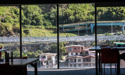 Las bibliotecas públicas de Medellín amplían sus horarios y reanudan actividades presenciales