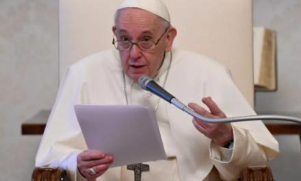 El papa Francisco impone nuevas medidas contra la corrupción en el Vaticano