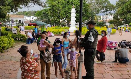 """Policía en Ocaña lidera la campaña """"Colombia una Razón"""""""