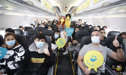 Camino a la reapertura: Inauguran la ruta aérea entre Medellín y Orlando, en los Estados Unidos