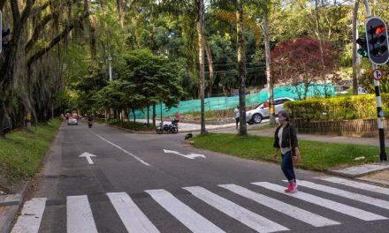 Medellín cuenta con seis nuevos cruces semafóricos y otros sesenta complementos peatonales