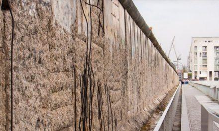 El presidente de Alemania llama 'día fatal' al comienzo de la edificación del muro de Berlín
