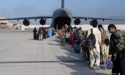 Italia, es el país europeo que más afganos evacuó tras crisis humanitaria