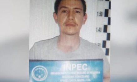 En medio de polémica, Enrique Vives, acusado de matar a seis jóvenes, fue trasladado en helicóptero a Cartagena