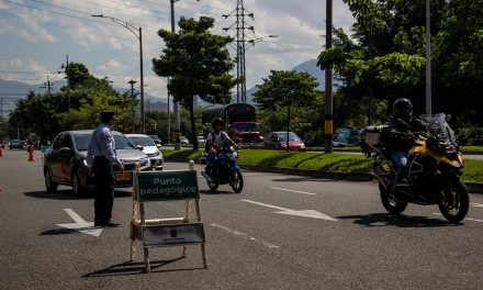 El 4 de octubre inicia el pico y placa para motocicletas en Medellín: Ojo a la medida
