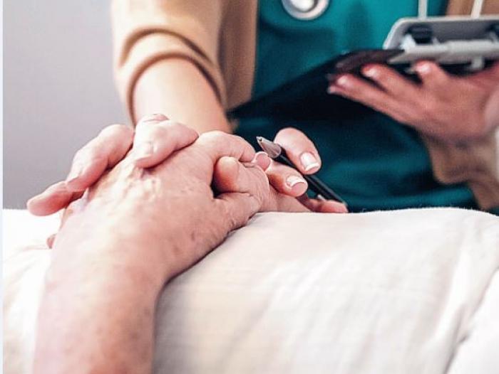 Tener una enfermedad terminal en Colombia no es impedimento para la eutanasia: Corte Constitucional