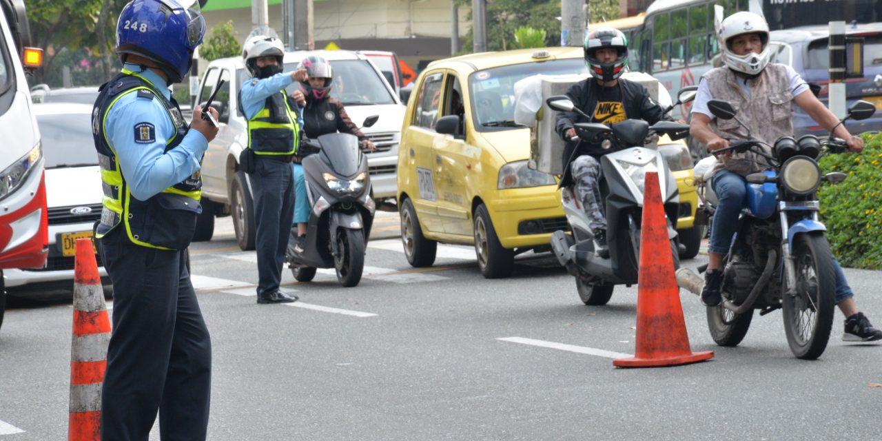Empezó a regir el pico y placa para motocicletas en Medellín y el Valle de Aburrá: Lo que debe saber
